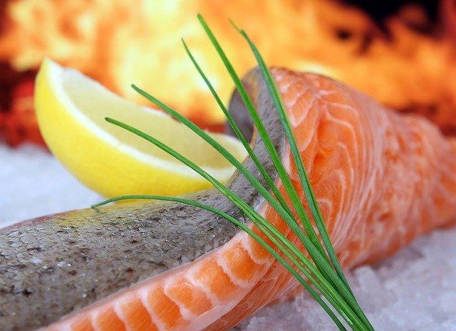 40歳からのお肌にいい食べ物の基礎知識~鮭編~